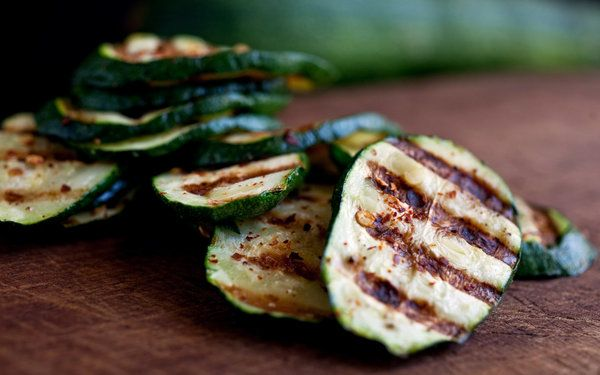 Spicy Grilled Zucchini | food fare | Pinterest