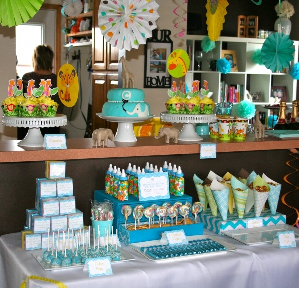 baby shower dessert table this link has a ton of dessert table ideas