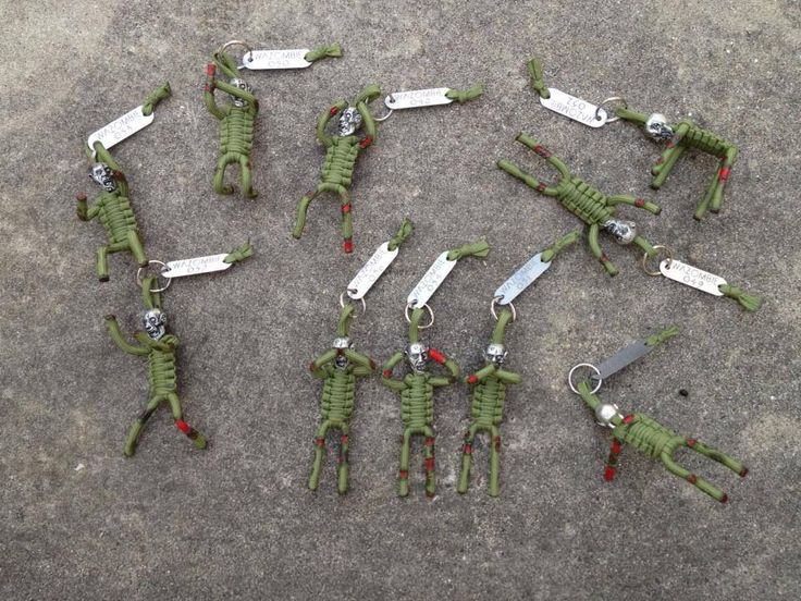 Zombie paracord prople paracord pinterest for Things made out of paracord
