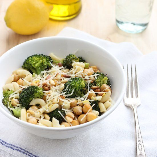 Roasted Broccoli and Chickpea Lemon Pasta- an easy meal that's light ...