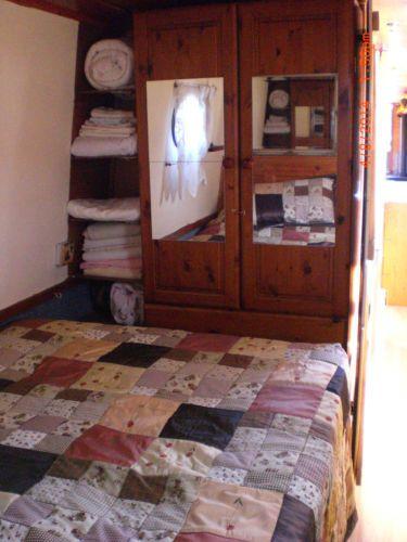 Narrowboat bedroom design jobs