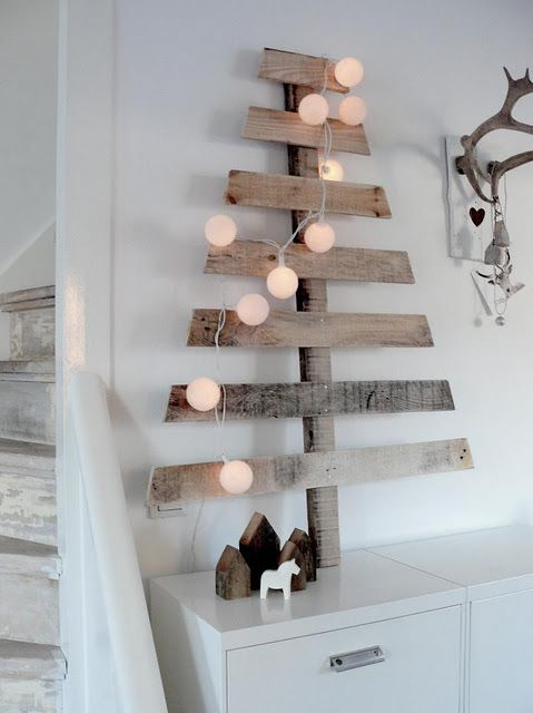 Upcycled pallet tree - would be cute to decorate with light garland, or to use as a way to display Christmas cards