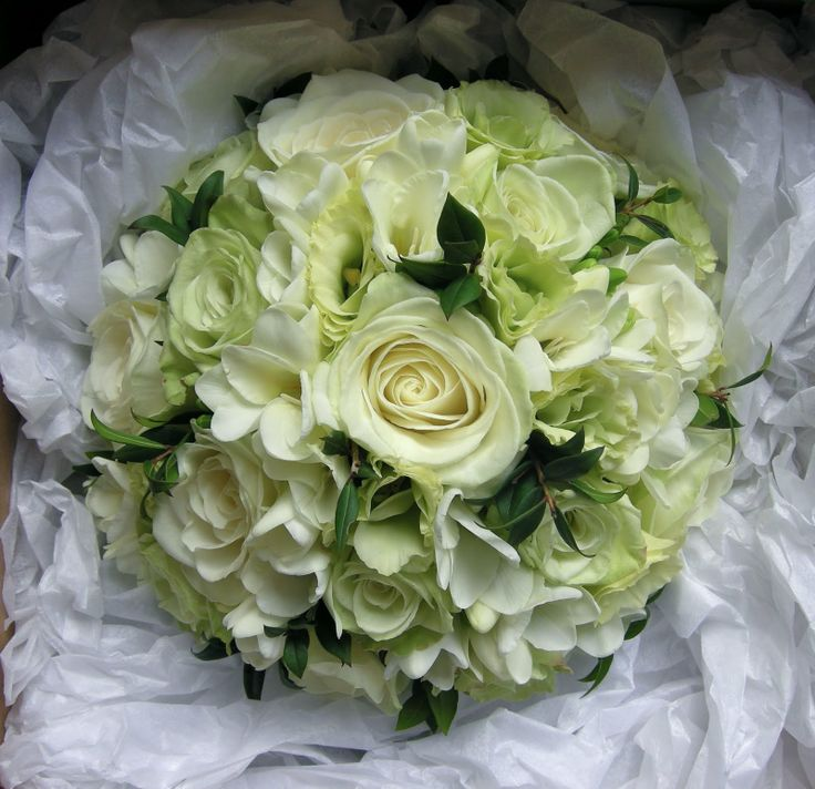 Ivory Bridal Bouquet Pictures Wedding Flowers Blog Charlotte S Wedding