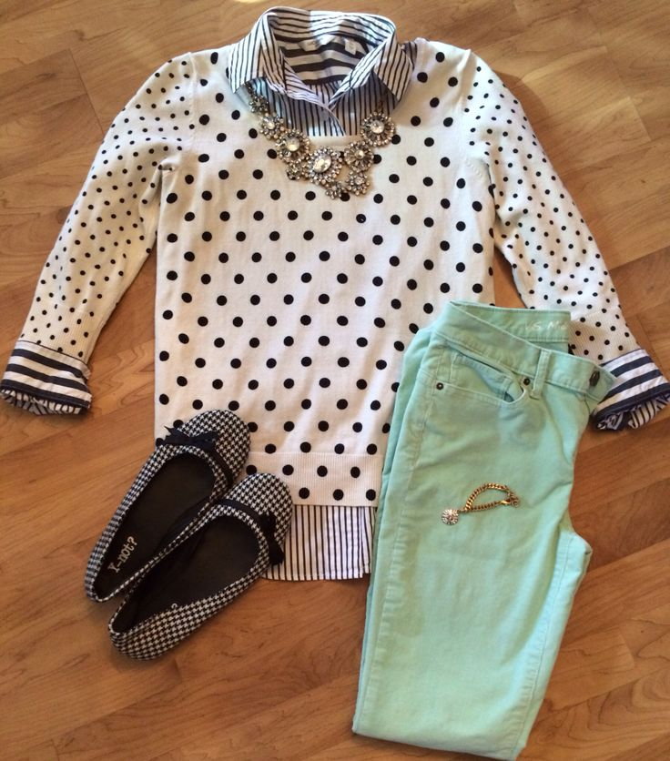 Stripes, polka dots, houndstooth and mint. Fashion outfit style. @kristy_tatum Instagram