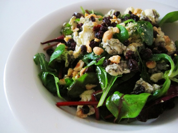 Mixed Greens with Blue Cheese, Currants, Toasted Hazelnuts and Honey ...