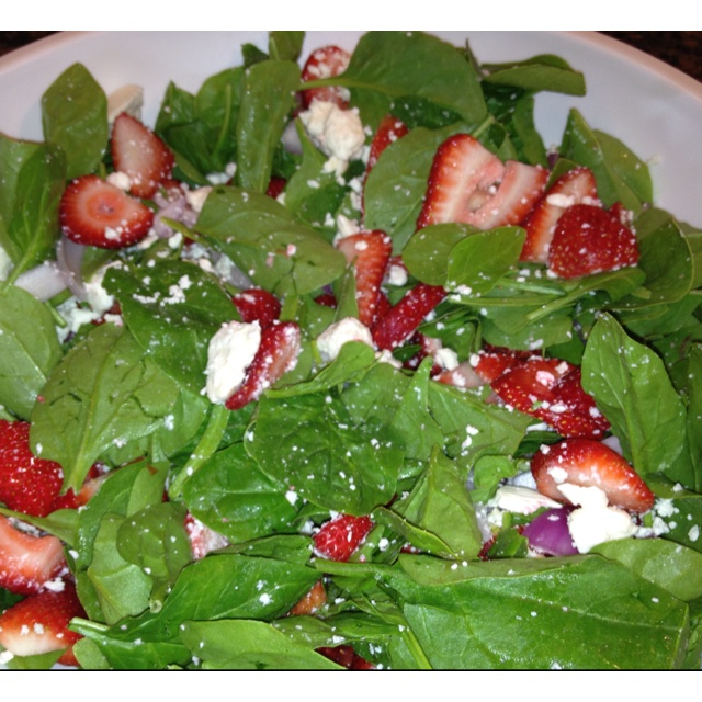 Spinach salad with strawberries, feta cheese and strawberry balsamic ...