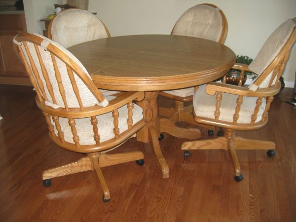 kitchen table and chairs craigslist pinterest. Black Bedroom Furniture Sets. Home Design Ideas