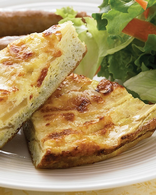 Apple and Cheddar Frittata ... make this for a Meatless Monday!