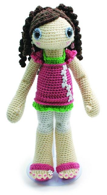 I love her amigurumi dolls!