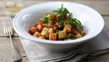 gnocchi with simple tomato sauce and wild rocket Made the gnocchi ...
