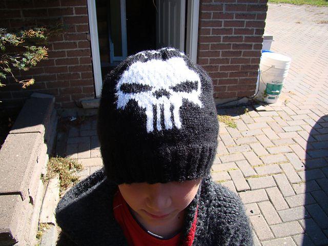 Knitted Skull Hat Pattern : Pin by Trish L. on Crochet love Pinterest
