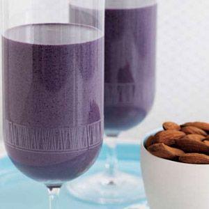 Very Almond Blueberry Smoothie. | Food Bev | Pinterest
