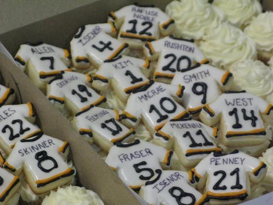 Cupcake Decorating Ideas Hockey : hockey windup party - cupcake decor? Let s Party Pinterest