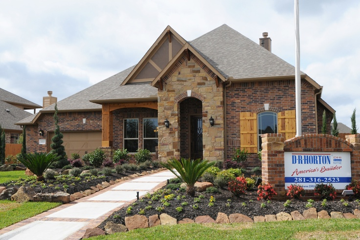 Dr horton model home in tuscan lakes camie castle for Tuscany model homes