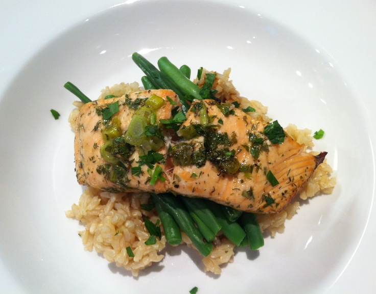 Lemon-Dill Salmon with Green Beans and Brown Rice http://www ...