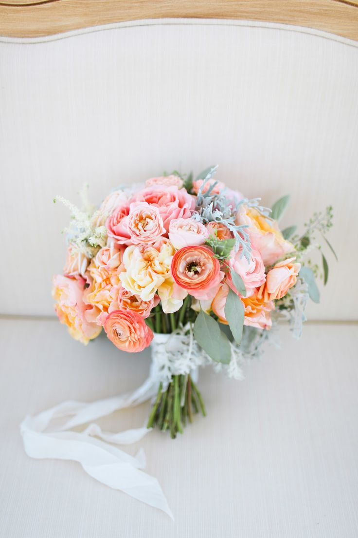 Rose and ranunculus bouquet for Pastel colored flower arrangements