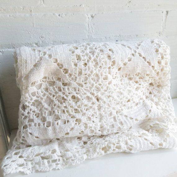 Massive vintage white cotton crochet lace tablecloth for White cotton table cloth