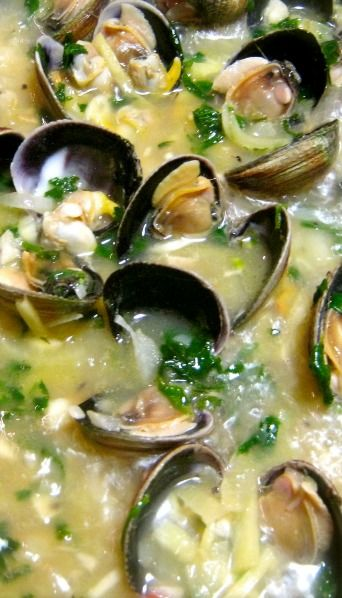 Drunken Clams (Clams Cooked in Beer) | Recipes | Pinterest