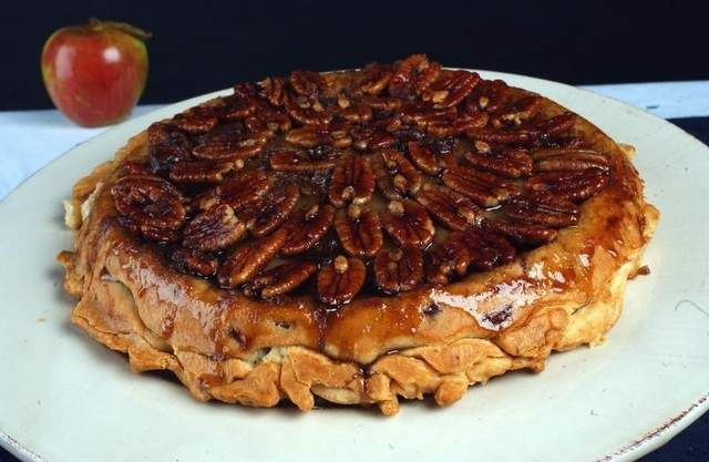 Upside-Down Apple Pecan Pie. I think this is what I'll be bringing to ...