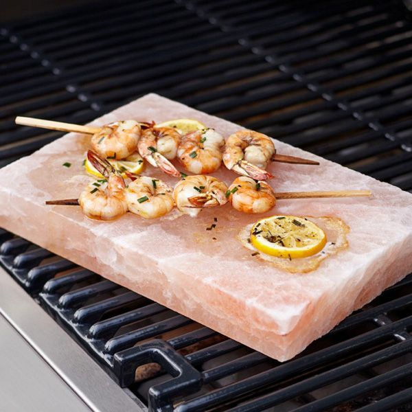 Himalayan salt foodie himalayan salt block pinterest for Cooking fish on a salt block