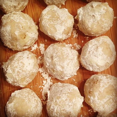 Walnut Snowball Cookies aka Butter Balls. My absolute favorite Xmas ...