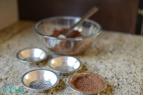 How to Make a Chocolate Graham Cracker Crust (Without Buying Chocolate ...