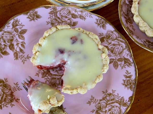 Strawberries and Cream Tart | Edibles: Pies/Tarts | Pinterest