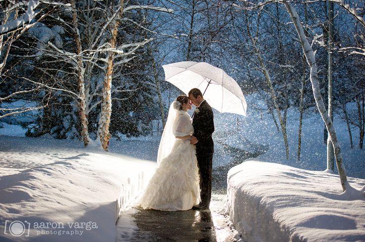 Winter Wedding Day Photo :: Gorgeous!
