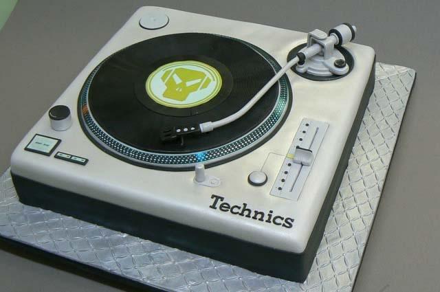 Happy Birthday Record Player Cake