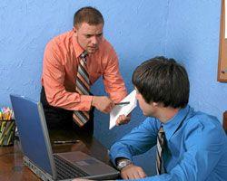 ¿Qué debo hacer si mi Jefe me tiene manía?