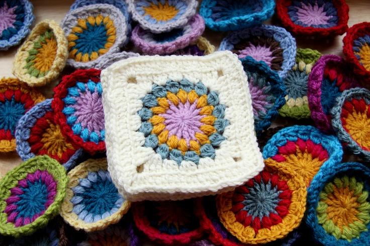 Starburst Flower Crochet Blanket Pattern : Pin by missusem on needle me this. Pinterest