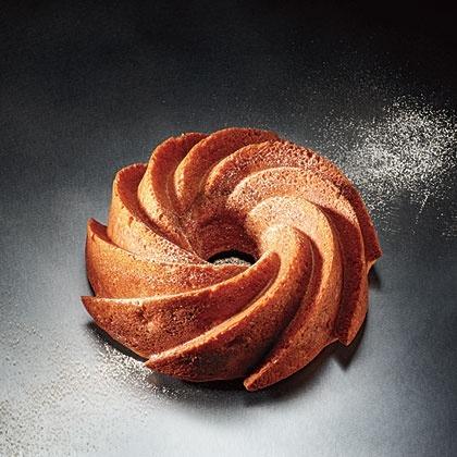 Apple-Cinnamon Bundt Cake Recipe | Recipes - Desserts - Cakes | Pinte ...