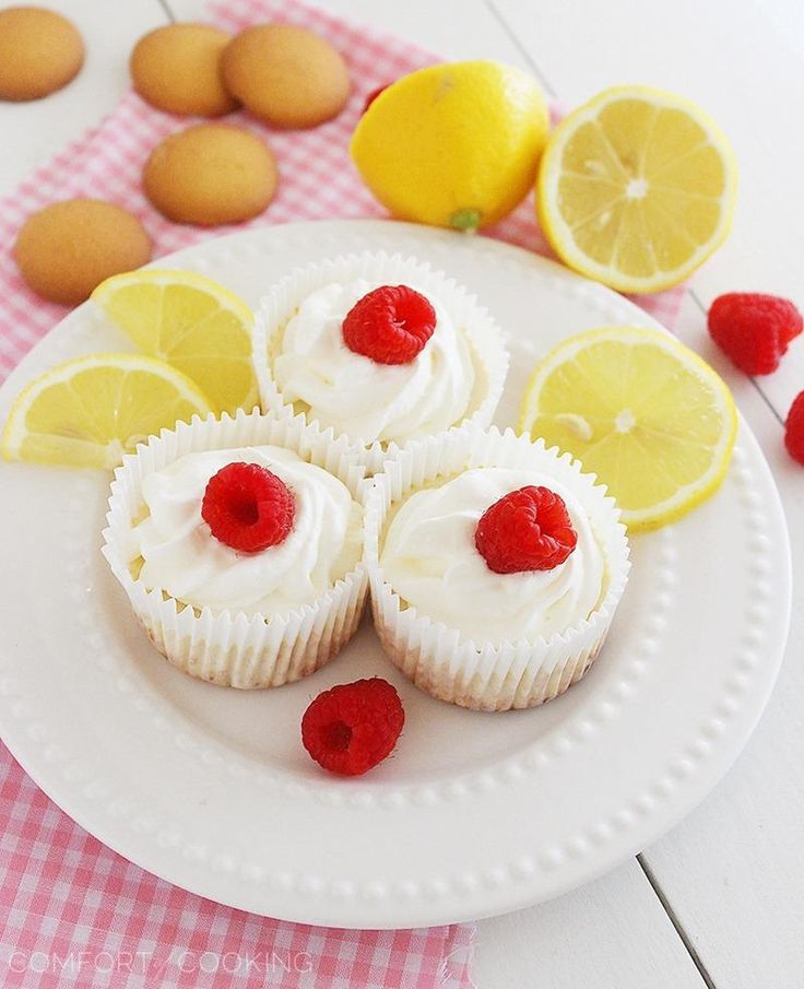 The Comfort of Cooking » Skinny Lemon Cheesecake Cupcakes