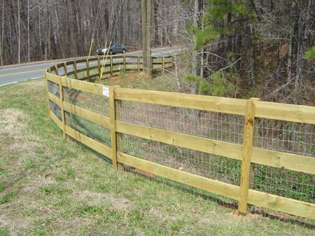 3 Rail Ranch Fence With Wire Farm Ranch Landscaping