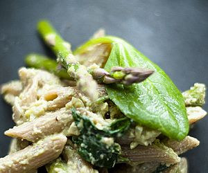 lightened up spinach & walnut penne | food and drink | Pinterest