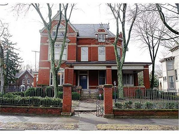 1900 Queen Anne Brick House Old Houses And Buildings Pinterest