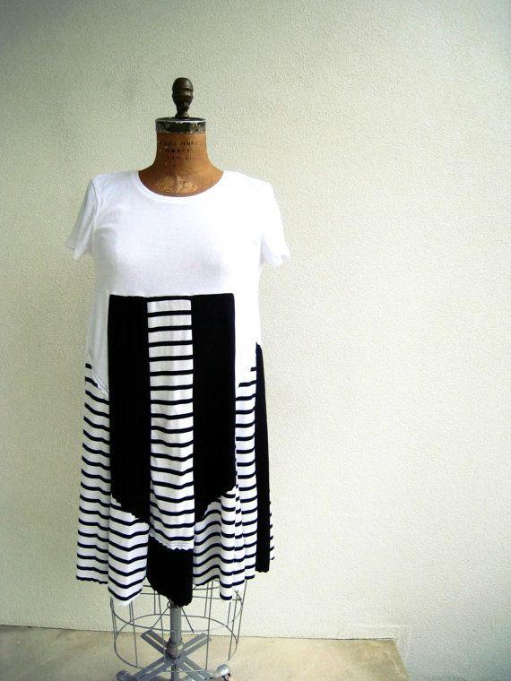 T shirt dress white black stripe empire waist knee for Empire waist t shirt dress