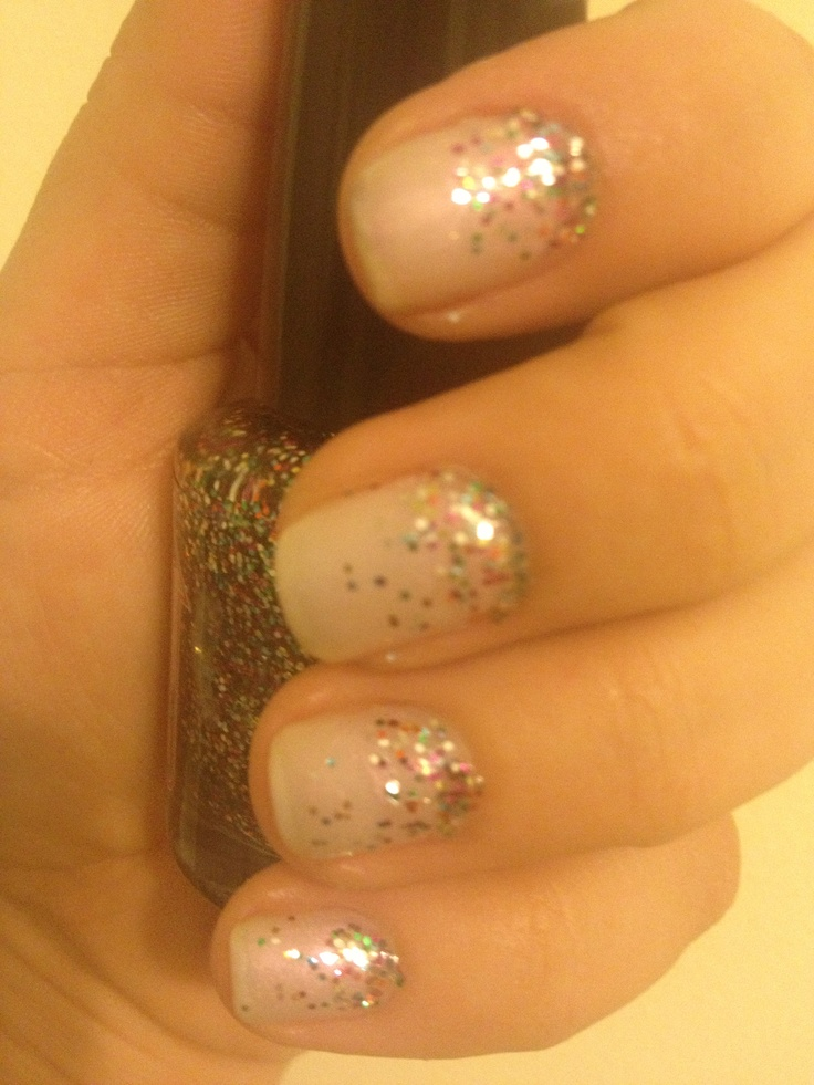 Shellac nails usually last 2 weeks before your nails start to grow out