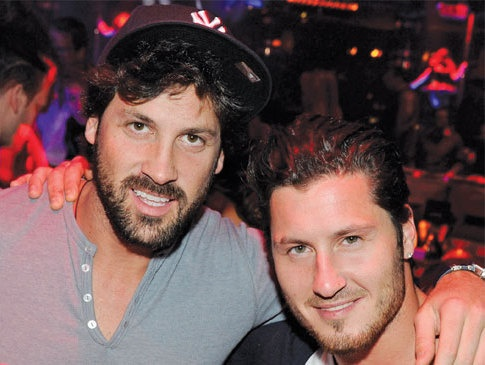 val chmerkovskiy girlfriend kelly monaco