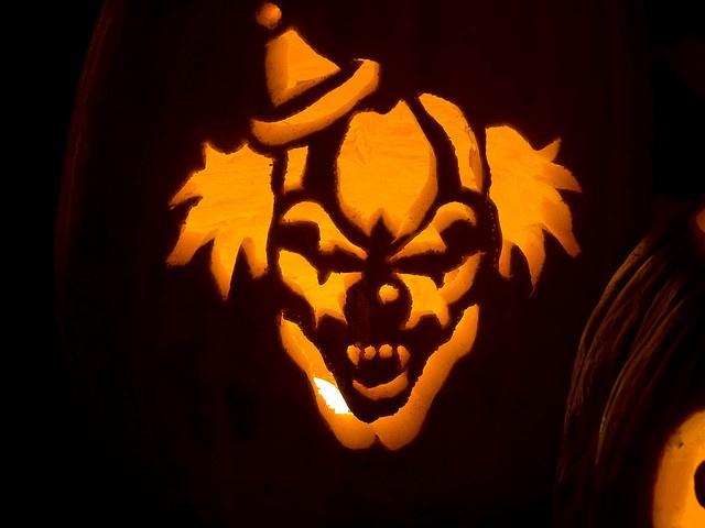 Jack o 39 lantern clown jack o 39 lanterns pinterest for Creepy clown pumpkin stencil
