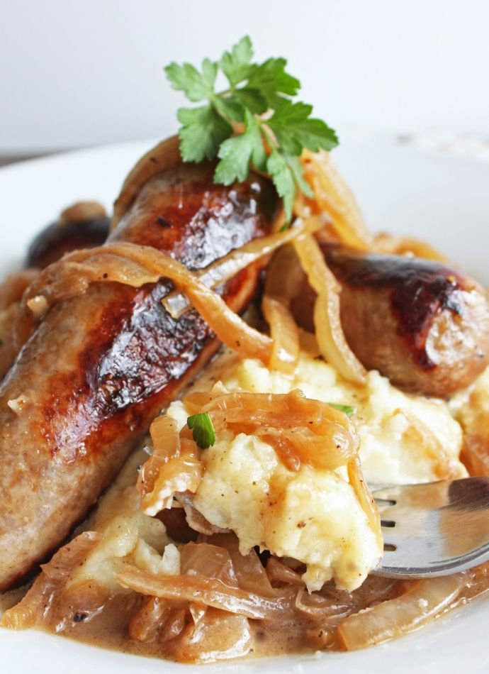 mash with onion gravy bangers and mash with guinness onion gravy ...