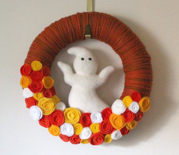 Halloween Wreath with Ghost