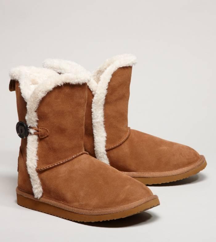 aeo button warm fuzzy boot fashion