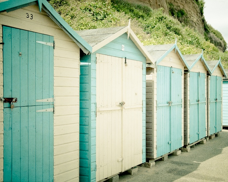 Beach huts summer house paint ideas for our home for Beach hut ideas