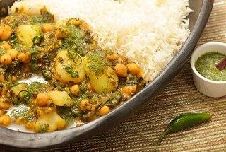 Chickpea, Potato, and Spinach Jalfrezi (vegan)