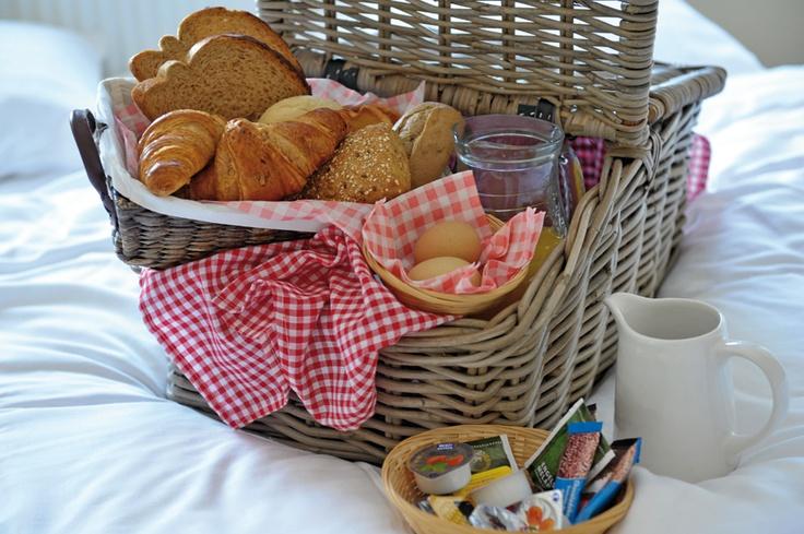 :)  Wat leuk om zo je ontbijt op bed te krijgen!