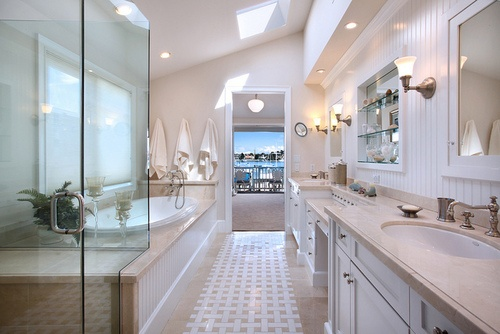 New Bright City Bathroom With Pendant Lighting