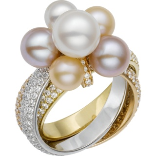 3 types of Gold, Pearls and Diamonds Trinity ring by Cartier. (cartier.co.uk) #pearls #pearlrings