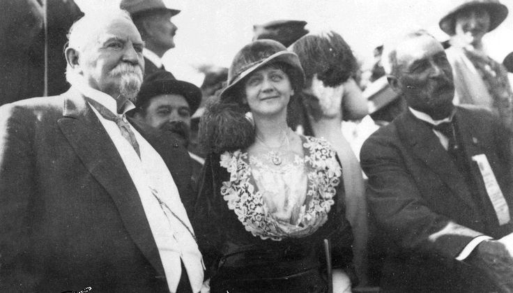 Photograph of Harrison Gray Otis, Ellen Beach Yaw, and William Mulholland at the Los Angeles Aqueduct opening day and dedication ceremonies, November 5 1913.