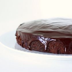 Fastest Fudge Cake with Ganache Drizzle | Cake - Fudge? | Pinterest
